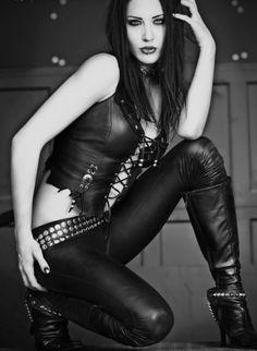 celana kulit motor wanita terbaru keren