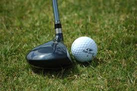 pusat peralatan golf