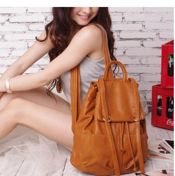 Image result for wanita cantik memakai tas kulit