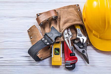 model-model tas pinggang kulit tool safety project