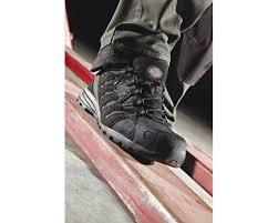 gambar sepatu safety keren terbaru