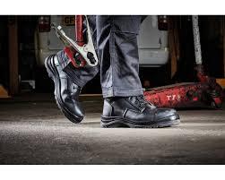 safety shoe untuk pertambangan