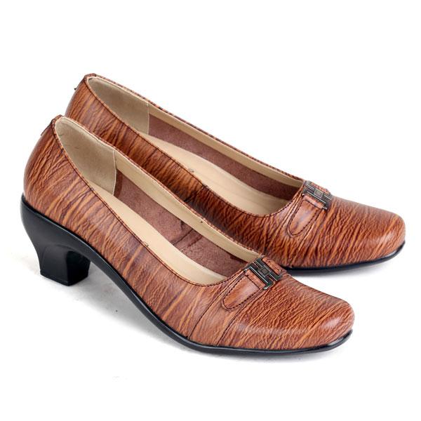 sepatu kulit premium wanita 570