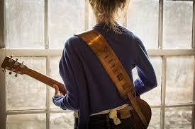 tali gitar kulit
